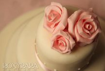 RoxyRara Wedding Cakes / Handmade, delicious and completely unique wedding cakes. Designed and created by Roxy.