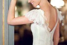 Robe de mariée - Collection Alençon / Découvrez notre campagne photo réalisée pour le lancement de notre collection Alençon de robe de mariée. Retrouvez-nous sur http://fabiennealagama.com