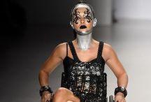 Handicap et mode / http://dailygeekshow.com/2014/01/26/les-personnes-handicapees-ont-aussi-le-droit-detre-a-la-mode-la-preuve-avec-ces-magnifiques-protheses/
