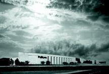 Poliform|Varenna headquarters / In a green land