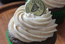 Cup cakes: finishing touch / Lekkere maar vooral mooie versieringen voor op een cupcake . Ik heb al mijn ideeën bij een geraapt en er een bord vaan gemaakt : finishing touch
