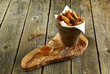 Terracotta Pots & Wooden Boards / Versatile range of terracotta pots are perfect for use in serving side dishes and bar snacks or cutlery holder.