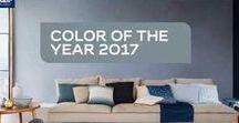 Το χρώμα της χρονιάς  2017 / Η διακόσμηση του σπιτιού για το 2017 αγαπά τις αποχρώσεις του μπλε. Ελκύεται όμως ιδιαίτερα  από μια υπέροχη μπλε γκρι απόχρωση που ακούει στο όνομα  Denim Drift.  Λιτή, φιλική, αέρινη, αρχοντική  απόχρωση, το Denim Drift  συνδυάζει  όλες τις διαστάσεις που μας εκφράζουν για το 2017.  Άλλη μια πρωτιά του χρώματος  που κέρδισε τις εντυπώσεις για  το 2017.. ... ταιριάζει απόλυτα σε κάθε χώρο του σπιτιού και σε κάθε επιφάνεια.  Μια ματιά στις εικόνες θα σας πείσει..