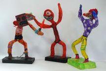 Cartapeste bambine / Burattini e piccole sculture fatte dai bambini di quarta e quinta elementare alla scuola Arti e Mestieri nell'autunno 2013