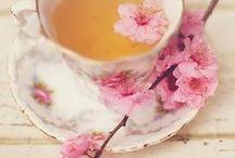 Teehetki / Teetä, teetä ja lisää teetä!