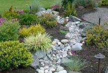 Садовый дизайн / Клумбы, садовые украшения, цветочные вазоны
