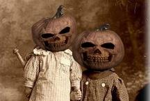 Happy Halloween / instagram: minagolddesign