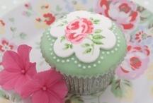 Cupcakes / instagram: minagolddesign