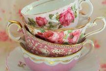 Tea Party in Wonderland / instagram: minagolddesign