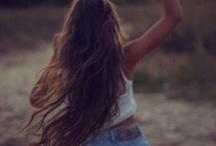 Into Summer's Long Blue Days / instagram: minagolddesign
