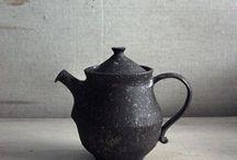Tea Pots /  Здесь представлены различные формы чайников из разных стран мира, выполнен ныне из разных материалов.