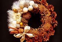 Christmas designs | Aleksandra / Flowers arrangements for Christmas, Christmas wreath, Christmas tree, Christmas displays by Atelier Floristic Aleksandra concept Alexandra Crisan