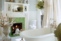 Bathtub Connoisseur  / Nothing is more delicious than to sink into warm water and let one's mind wander....