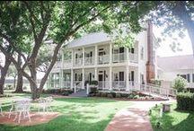 Houston wedding venue / Outdoor/Indoor wedding venue in the Houston area.