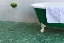 Salle de bain / douche / by La Pasteurization