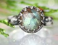 Labradorite / Labradorite has become a favorite in the worlds of fashion and interior design; from jewelry to counter-tops and sinks, this iridescent gemstone shimmers brilliantly as you view it from different angles!