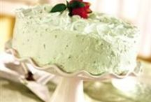 Cakes and Frosting Recipes / by Lorraine Childress