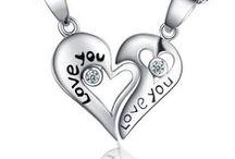 Couples pendant for love / Кулоны для влюбленных - символ вашей искренней любви!!! Приобрести кулоны можно на сайте www.Подарки-любимым.рф