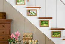 EMBAIXO DA ESCADA / O que fazer p/aproveitar espaço embaixo, do lado, e até nos degraus de escadaria.