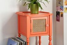 Mesas lateral e de centro / Formatos, cores e arranjos de mesas.