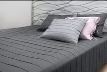 LINEN BEDDING / Simple and chic pure linen duvets, sheets, pillowcases and much more for decorate your elegant modern bedroom.