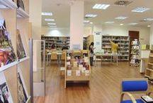 "Biblioteca ""Cristóbal Cuevas"" / Dirección: Plaza Eduardo Dato, s/n – 29011 Málaga  Teléfono: +34 951 926 184  E-mail: biblio.ccuevas@malaga.eu  Ayuntamiento de Málaga, España"