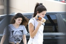 Working out with my sister !  / The paparazzi spotted us while we were at the gym. Gotta be fit for summer !