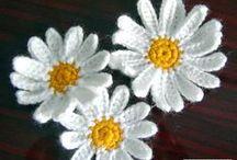 Haken: bloemen, granny's, steken, randjes en aanverwanten / Granny's, bloemetjes en andere applicaties om dingen op te fleuren. Maar ook leuke steken en randjes voor diverse projecten