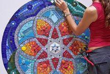 Mandala / Mandala's met allerlei soorten materiaal.
