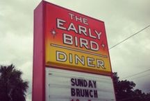 Roadside Eats / Good articles on diners and drive-ins to make your time on the road ful-filling.
