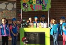 Girl Scout Cookie Booths / How to decorate your cookie booth so you stand out and grab customers attention!