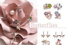 """Butterflies de Salvatore Plata / BUTTERFLIES """"mariposas"""" el mundo animal/floral en conjuntos de pendientes y anillos con esmaltes pintados a mano de colores de temporada. Una colección muy trabajada, muy femenina y muy, muy especial, combinada con circonitas y perlas."""