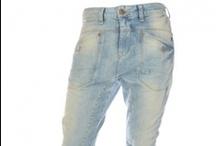 LTB Jeans / LTB Jeans is een trendy en hip jeansmerk met veel variaties is wassingen en modellen. Jeans en broeken uni en geprint, jeans, katoen en PU broeken enorm divers. LTB is ontstaan in 1994 en behoort tot een van werelds grootste jeans leveranciers met verkooppunten over de hele wereld. Mede door de turkse ontwerpers en fabrieken aldaar die de laatste trends goed in de gaten houden en daar snel op in kunnen spelen door de eigen fabrieken.