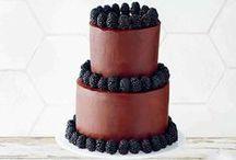 Cake and more cake / Cake