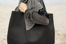Handbags / Handbags, purses, clutches, totes, satchels