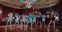 Twice / Nayeon, Jeongyeon, Momo, Sana, Mina, Dahyun, Chaeyoun and Tzuyu.  JYP Entertaiment.
