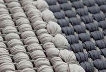 Hanna Korvela / Hoy en día, Hanna Korvela es uno de los mayores y más respetados diseñadores de alfombras de Finlandia. Tejidos de hilados de papel, lujosas alfombras de lana con pelo insertado, alfombras, así como la forma más ligera de base para la producción del internacionalmente aclamado tejido. Hanna Korvela representa materiales puros, formas claras, de alta calidad y la belleza armónica de impresionar año tras año y década tras década.