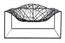 Viccarbe / La colección Viccarbe contiene y refleja un estilo de vida contemporáneo a través de unos productos comprometidos con las necesidades actuales en el equipamiento del hábitat. Una colección caracterizada por una sencillez cualitativa, elegancia innovadora e identidad global; capaz de proponer nuevas formas de relación y comunicación con el usuario e integrarse con naturalidad en diversos ambientes.