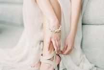 T H E / M O M E N T S / B E F O R E / Getting ready wedding photography inspiration for brides, brides-to-be, and grooms.