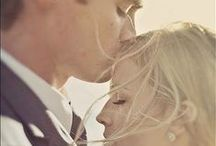 T H E / M O M E N T / True love & wedding photography inspiration for brides, brides-to-be, and grooms.