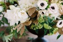F A L L / W E D D I N G S / Fall & Autumn Wedding inspiration for brides, brides-to-be, and grooms.