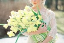Y E L L O W / W E D D I N G S / Yellow Wedding Palette Inspiration for brides, brides-to-be, and grooms.