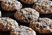 cookie love  {healthified} / chocolate, cookie dough, sweet, easy, chips, low fat, vanilla, spices, healthified, sugar free, banana, blueberry, gooey, low carb, flat, crisp, fluffy, yummy, melting // healthified