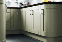 Chippendale Shaker Kitchens / For those wanting true style and quality, the solid wood (doors) Shaker range will grace any home environment. From its beautifully crafted cabinets to its glistening work surfaces, these kitchens simply ooze glamour.
