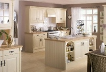 Chippendale Traditional Kitchens / For the traditionalist, Chippendale's designers have created these ranges to suit a more conservative style, with wood decor that will artistically merge with its natural surroundings.