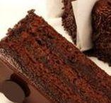 Gâteaux pré-coupés / Precut Cakes / Nous vous facilitons la tâche en vous offrant des gâteaux déjà coupés en 14 morceaux. Pour une coupe bien nette et sans gâchis! / Our precut cakes are the ideal solution to save time and money since they are portion controlled.