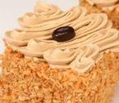 Pâtisseries classiques / Classic Pastries / Nos pâtisseries individuelles classiques sont idéales pour toutes les occasions, que ce soit pour présenter sur un buffet ou simplement à l'assiette. / Our individual classic pastries are ideal for all occasion. On a plate or in a buffet, they are the perfect dessert that everyone loves!