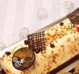 Temps des Fêtes / Holidays / Bûches traditionnelles ou desserts innovateurs? Nous avons les parfaites pâtisseries du temps des Fêtes pour vos clients! / Yule logs or innovative Christmas desserts; we got the perfect Holiday pastries for your patrons!