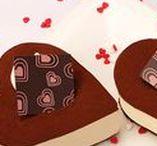 St-Valentin / Valentine's Day / Sortez votre côté romantique avec nos desserts de St-Valentin et inspirez-vous de nos idées déco! / Show your romantic side with our Valentine's Day desserts!