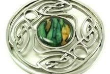 SCOTTISH HEATHERGEMS JEWELRY / Scottish Jewelry with Heathergems, uniquely colorful and made in Scotland using natural heather and traditional Celtic Jewelry Designs, such as the Celtic Knot and Scottish Thistle. Please take your time to browse our selection as we have one of the LARGEST Selections of Heathergems in the United States (USA)!